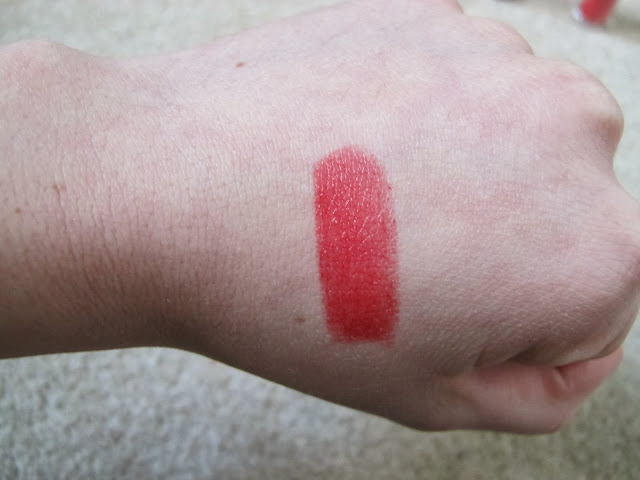 Revlon Colorstay Ultimate Suede 095 Finale Swatch