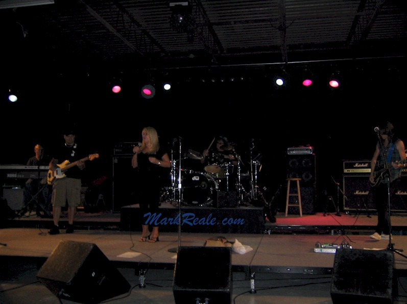 Bonnie Tyler, Mark Reale, Mike Dimeo, Lenny Rocillo, Bobby Rondinelli September 2007