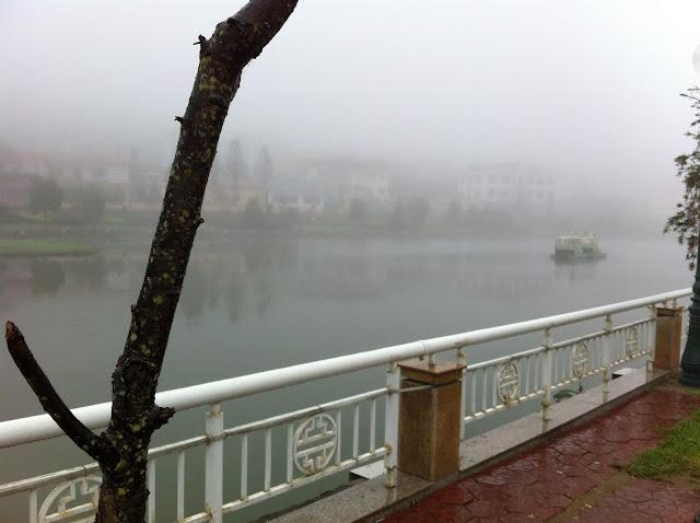 Hanoi lake fog