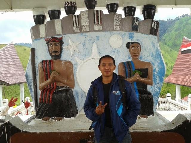 Wisata Sejarah Sopo Guru Tatea Bulan di Samosir