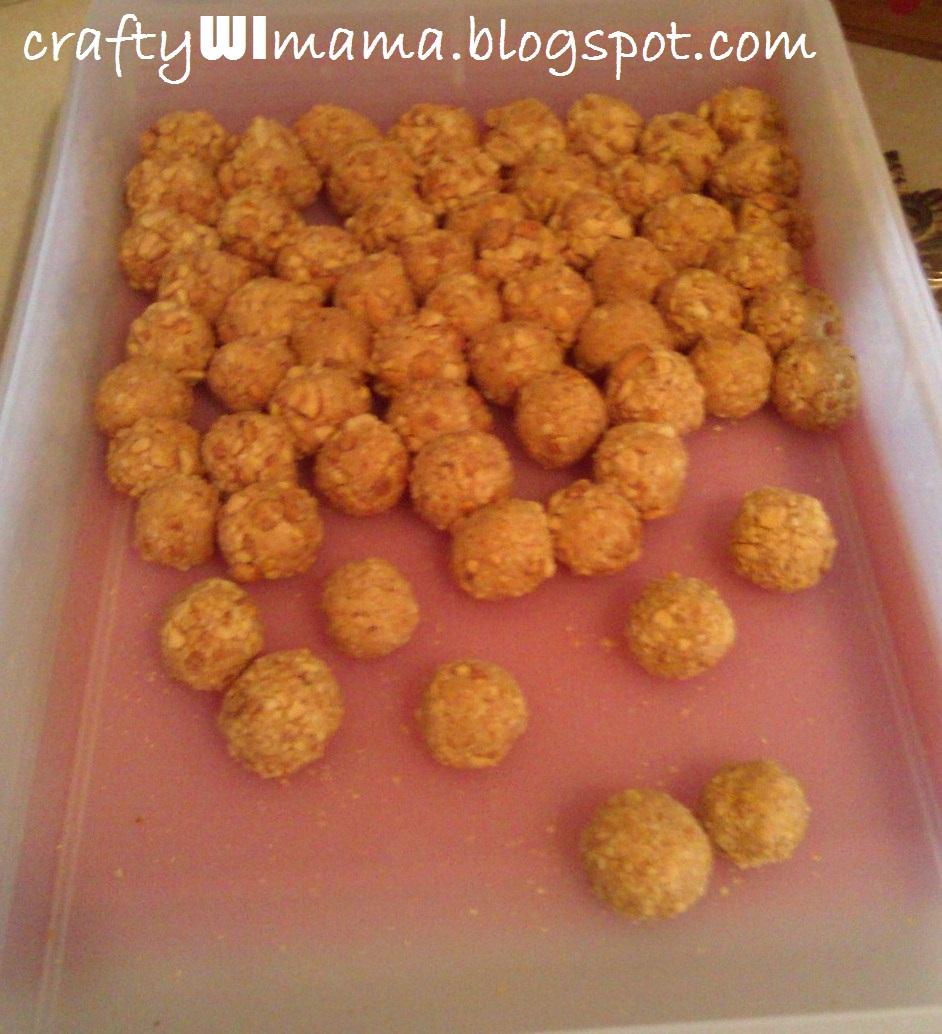 Crafty WI Mama: Fluffer Nutter Bites, Yum.