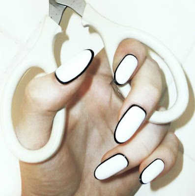 nail art bordata