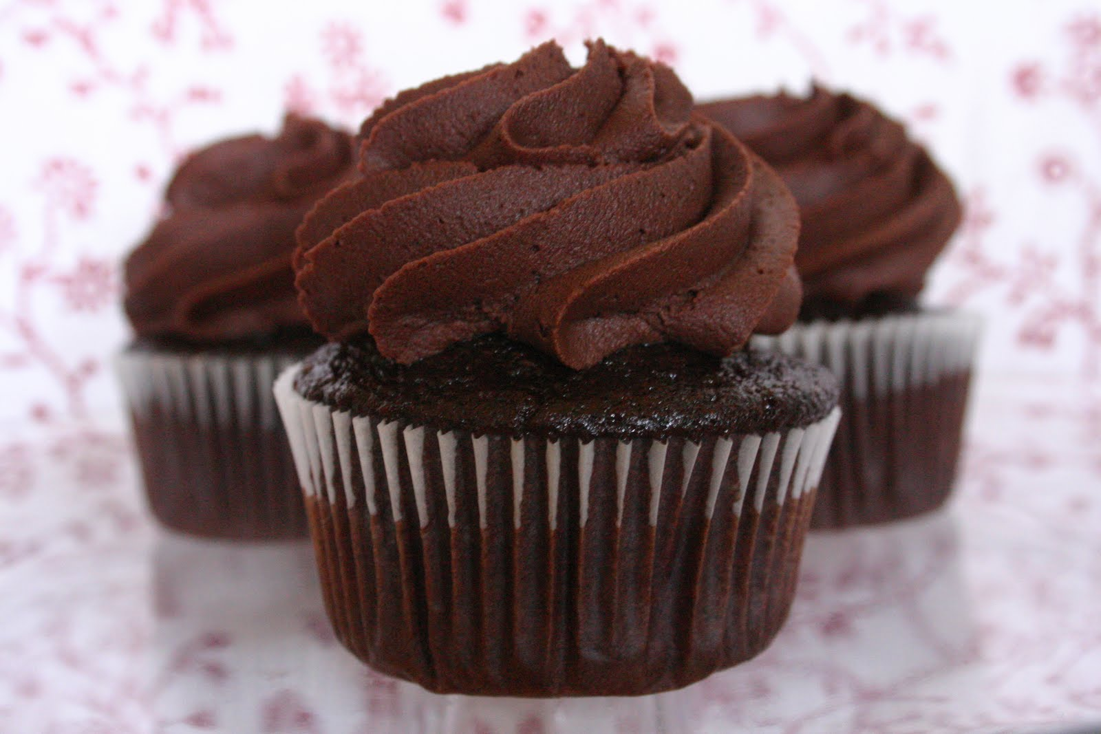Dark Chocolate Cupcakes With Mint Cream Cheese Frosting - Dark Brown ...