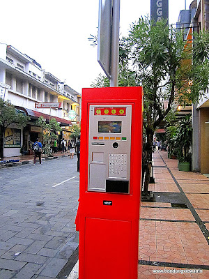 Mesin parkir otomatis jalan Braga