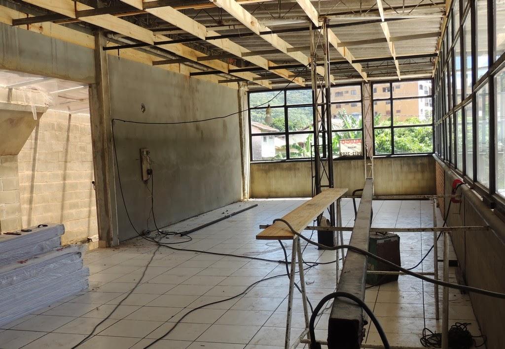 Para receber o acervo da Biblioteca Municipal, o prédio anexo já está passando por reformas