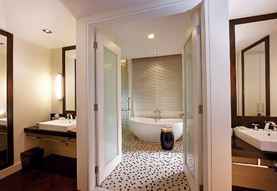 lone pine hotel penang grand premier suite bathroom