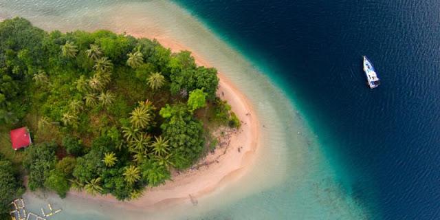 Pulau setan ketek di kawasan wisata mandeh pesisir selatan