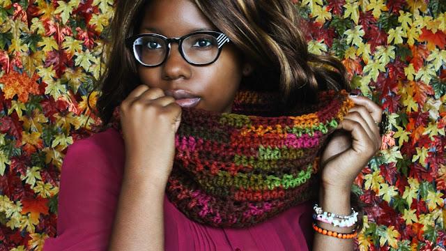 DIY: How to Crochet  A Cowl! Free Crochet Pattern!