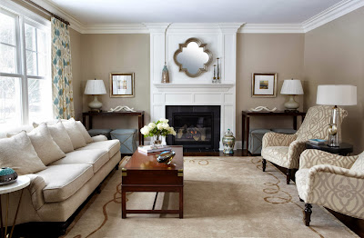 elegant and traditional living room scheme