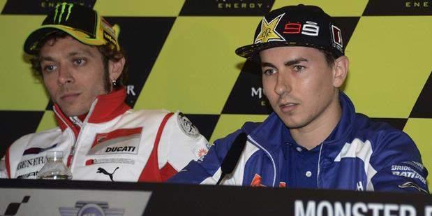 Rossi Kembali ke Yamaha? Lorenzo Tetap Santai