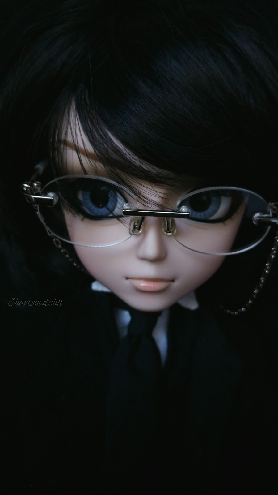 poupée entierement en porcelaine 27 cm neuf