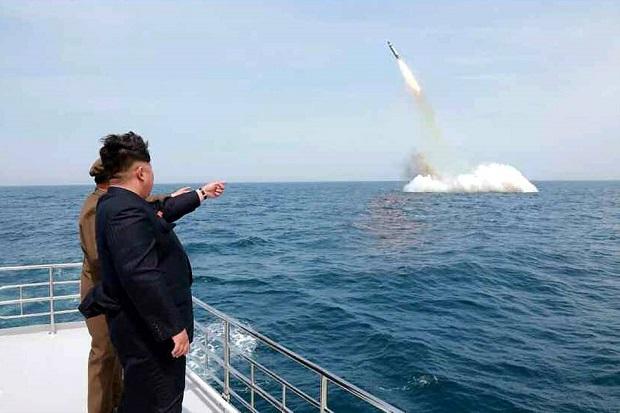 Korea Utara Sukses Tembakkan Rudal Balistik dari Kapal Selam