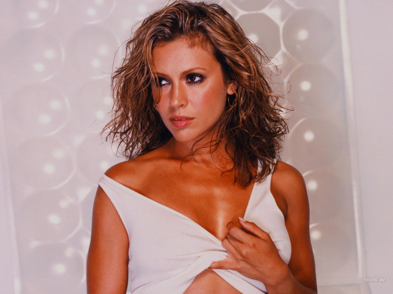 http://4.bp.blogspot.com/-EhfUIcibTfw/TfYlZ8-9B8I/AAAAAAAAACY/MPUgdZZmhyU/s1600/Alyssa+Milano_3.jpg