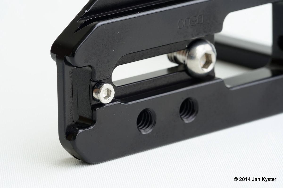 Hejnar ND800 Modular L Bracket base plate bottom details