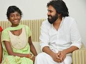Pawan Kalyan meets Srija n family-thumbnail-8