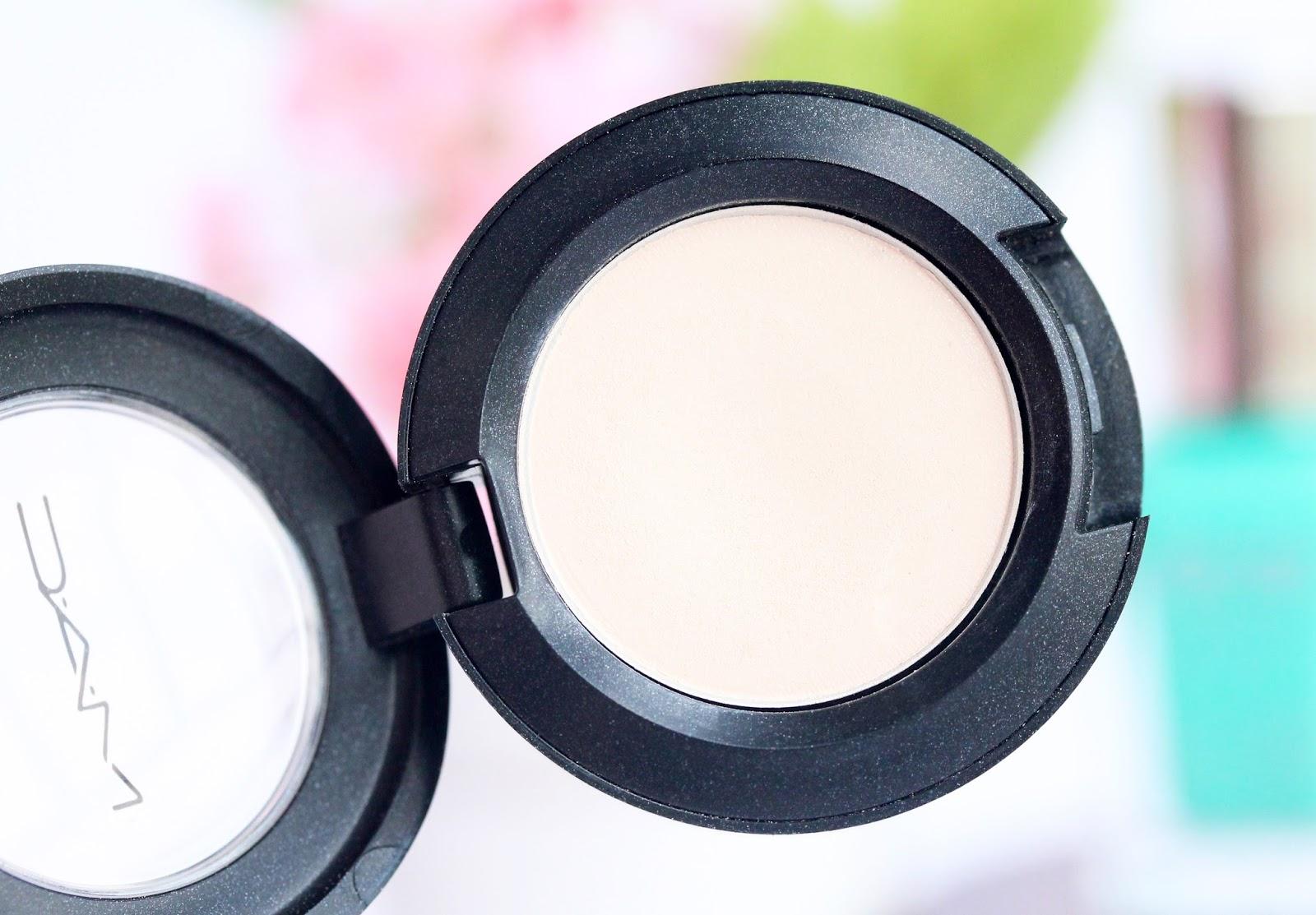 MAC Vanilla eye shadow