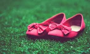 http://asalasah.blogspot.com/2014/12/flat-shoes-ternyata-juga-berbahaya.html