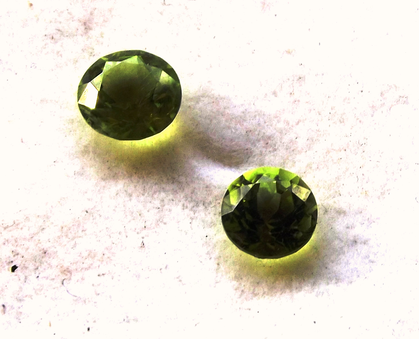 olivine gemstone natural information cts item green peridot grade top auctions