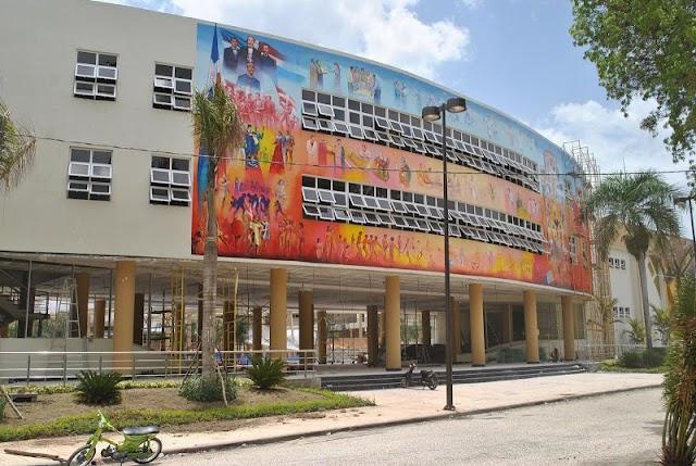 Rector UASD cede ante presión de reajuste salarial; propone aumento de 15%