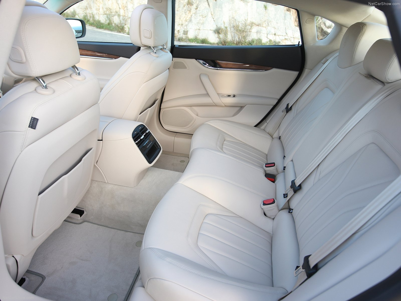 Hình ảnh siêu xe Maserati Quattroporte 2013 & nội ngoại thất