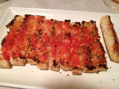 Pan tostado con tomate Rest. Granvia Uno. Blog Esteban Capdevila