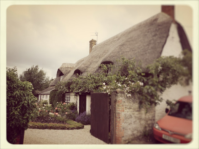 Cream Tea Queen thatched house