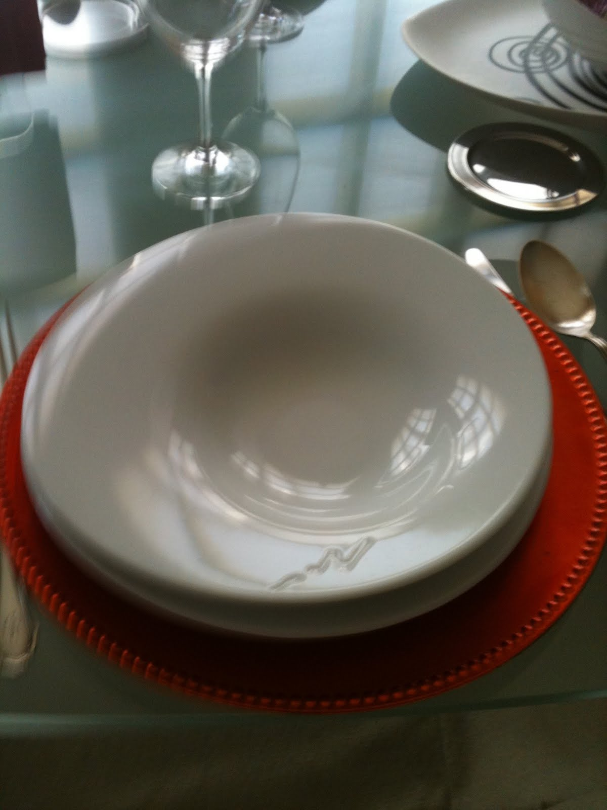 Marisa radicales simples estreno vajilla de ferran adri for Ferran adria platos