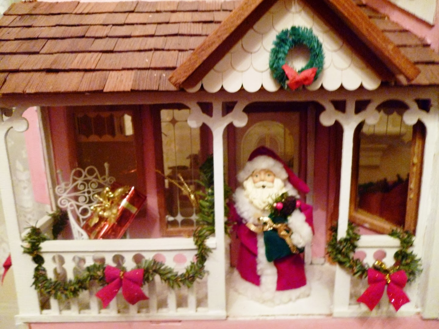 dollhouse decorating - Dollhouse Christmas Decorations