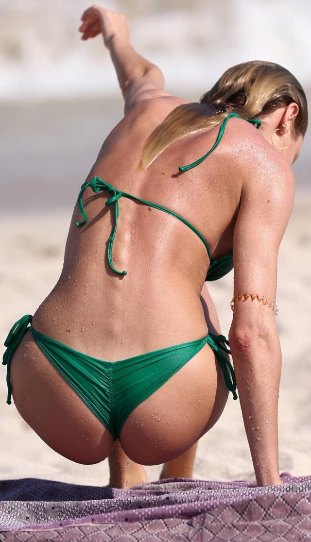 Imágenes del trasero de Candice Swanepoel
