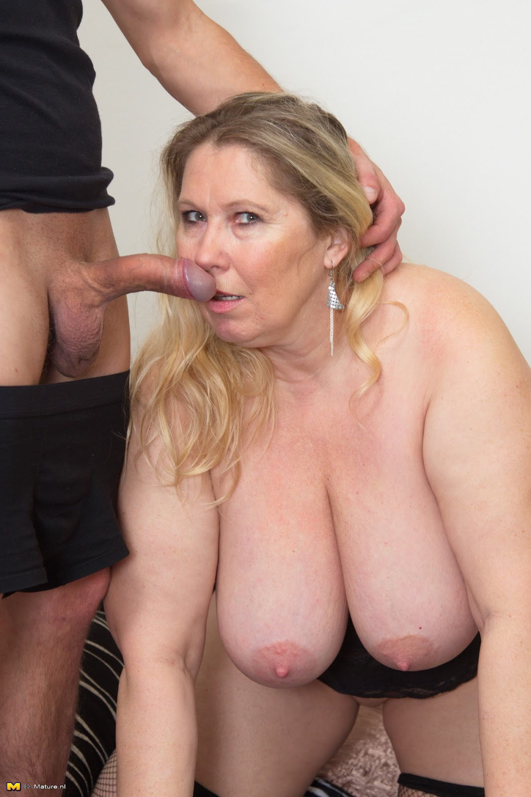Milf with very small tits