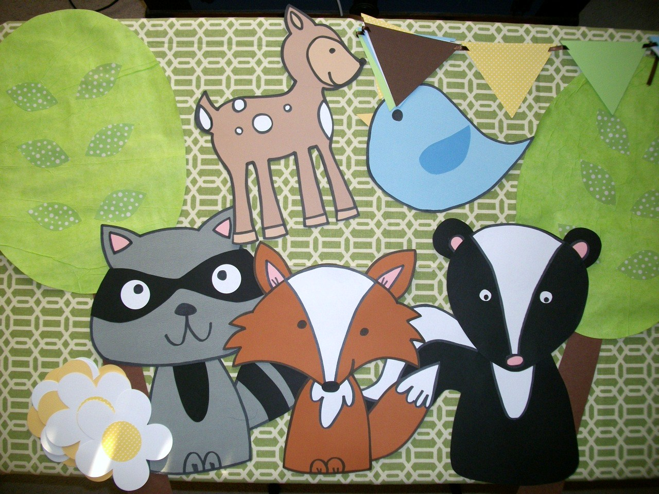 Classroom Decor Animals ~ Classroom theme linky primarily speaking