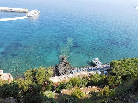 Caremar boat leaving for Capri, from Sorrento