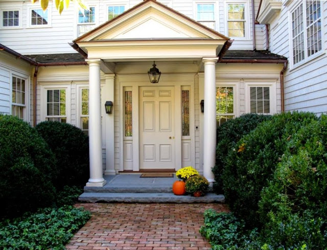 Jenny steffens hobick exterior paint sherwin williams muslin to match anderson windows canvas for How to match exterior house paint