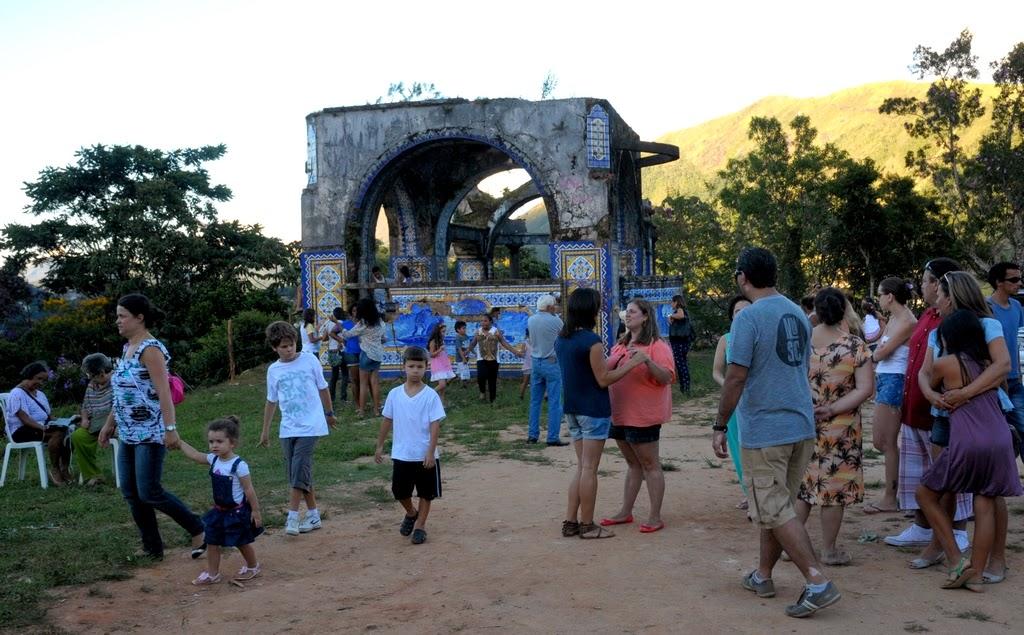 Ação cultural movimenta o domingo no Mirante da Granja Guarani em Teresópolis