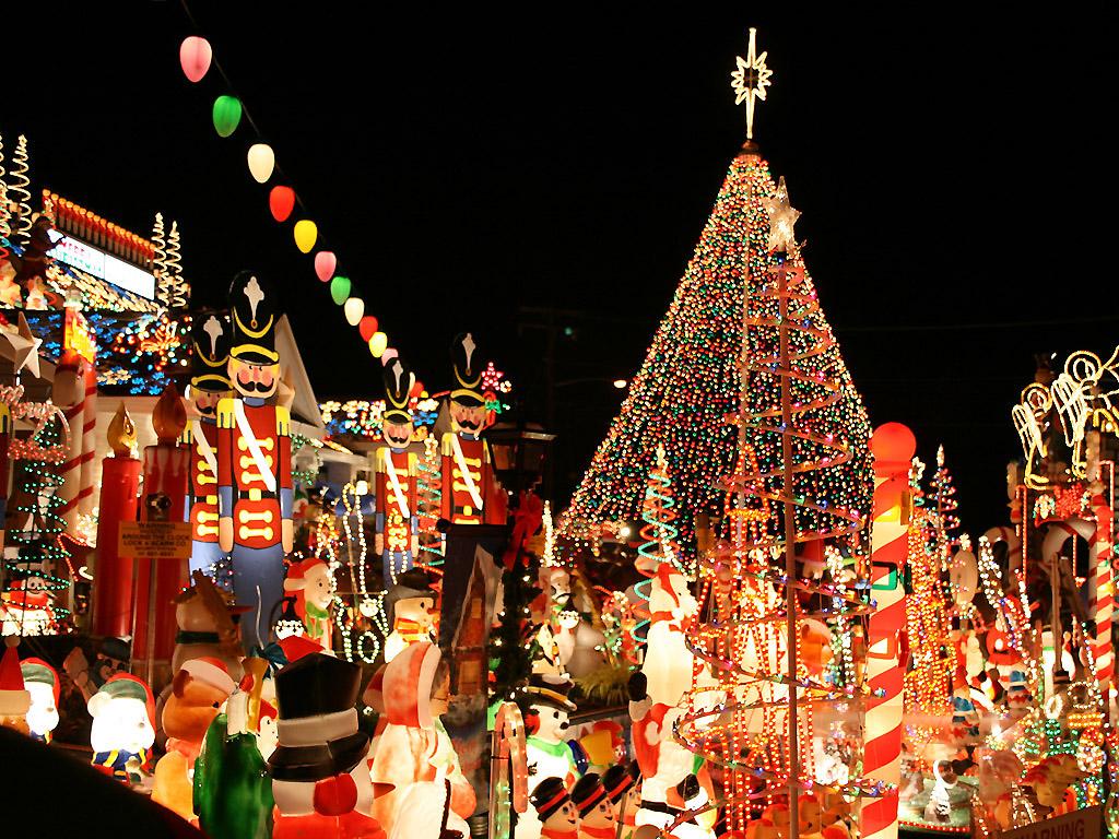 http://4.bp.blogspot.com/-EkGnvLehXLE/UZK47AOfQ2I/AAAAAAAAAdM/O6gUUQV5Ec8/s1600/crazy_lights_wallpaper_1024.jpg