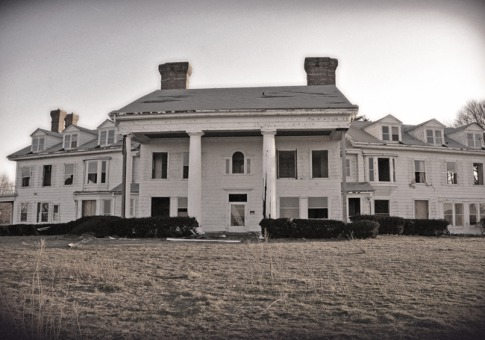 Trends And Tips For Potential Home Buyers 9 Creepy Abandoned Mansions