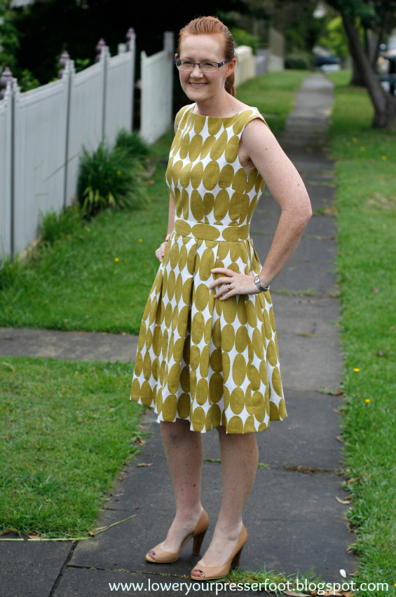 Vogue 9625 pleated polka dot dress www.loweryourpresserfoot.blogspot.com