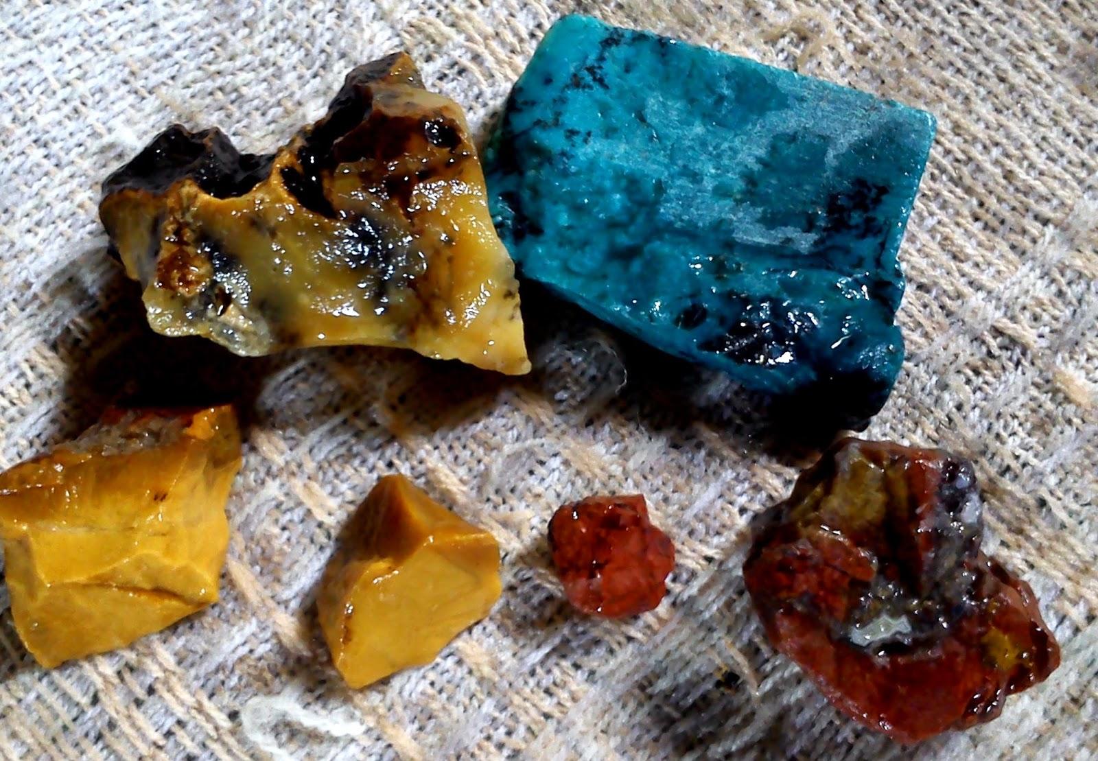 Cara Mendapatkan Bongkahan Batu Akik Alami