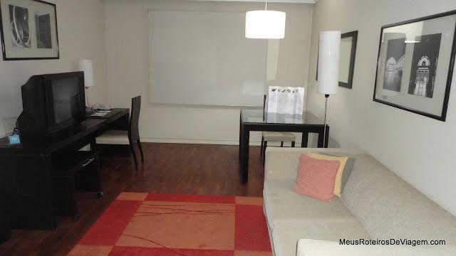 Sala do quarto do hotel NH Ciudad de Santiago