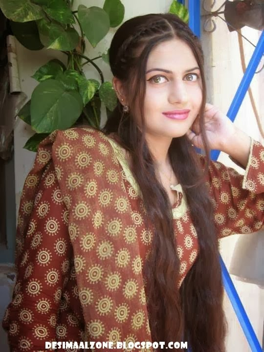Hina khan Beautiful Girl From Sawabi