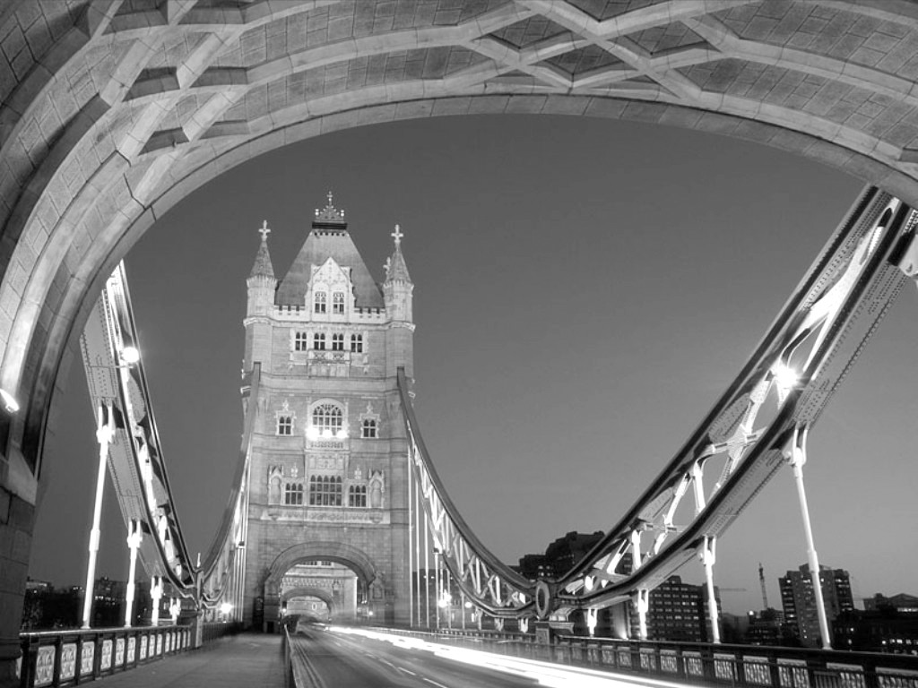 London bridge Photos black and white