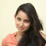 Ishika Singh New Photos 51