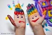 http://www.guiadelnino.com/juegos-y-fiestas/juegos-para-casa/10-juegos-para-aprender-los-colores