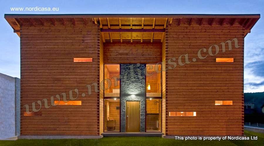 Fachada principal de una moderna casa de madera nórdica