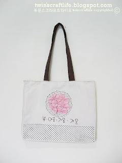 http://4.bp.blogspot.com/-Elezw0FM-As/TkOlAgZIlEI/AAAAAAAABFs/gziy_-55BC8/s1600/BB012-Ribbon+Sakura+Bag+1.JPG