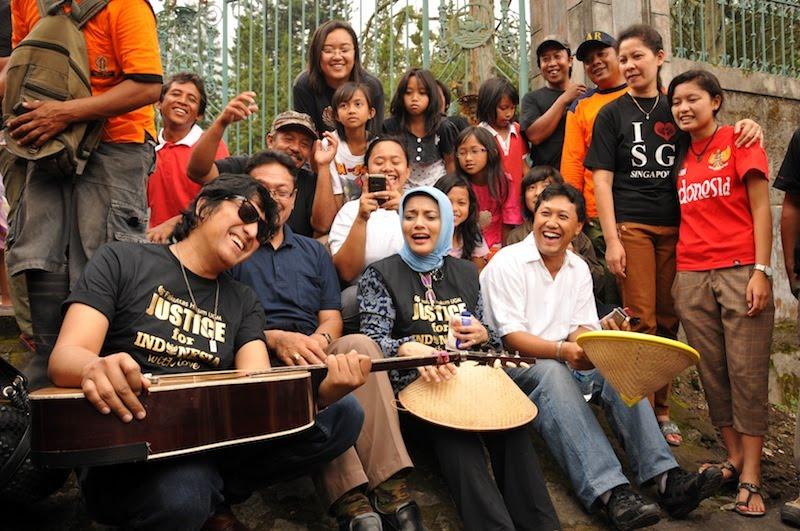 Silaturahim KAGAMA bersama FH UGM di Kaliurang, Marissa Haque, Ikang Fawzi, Indro Kimpling