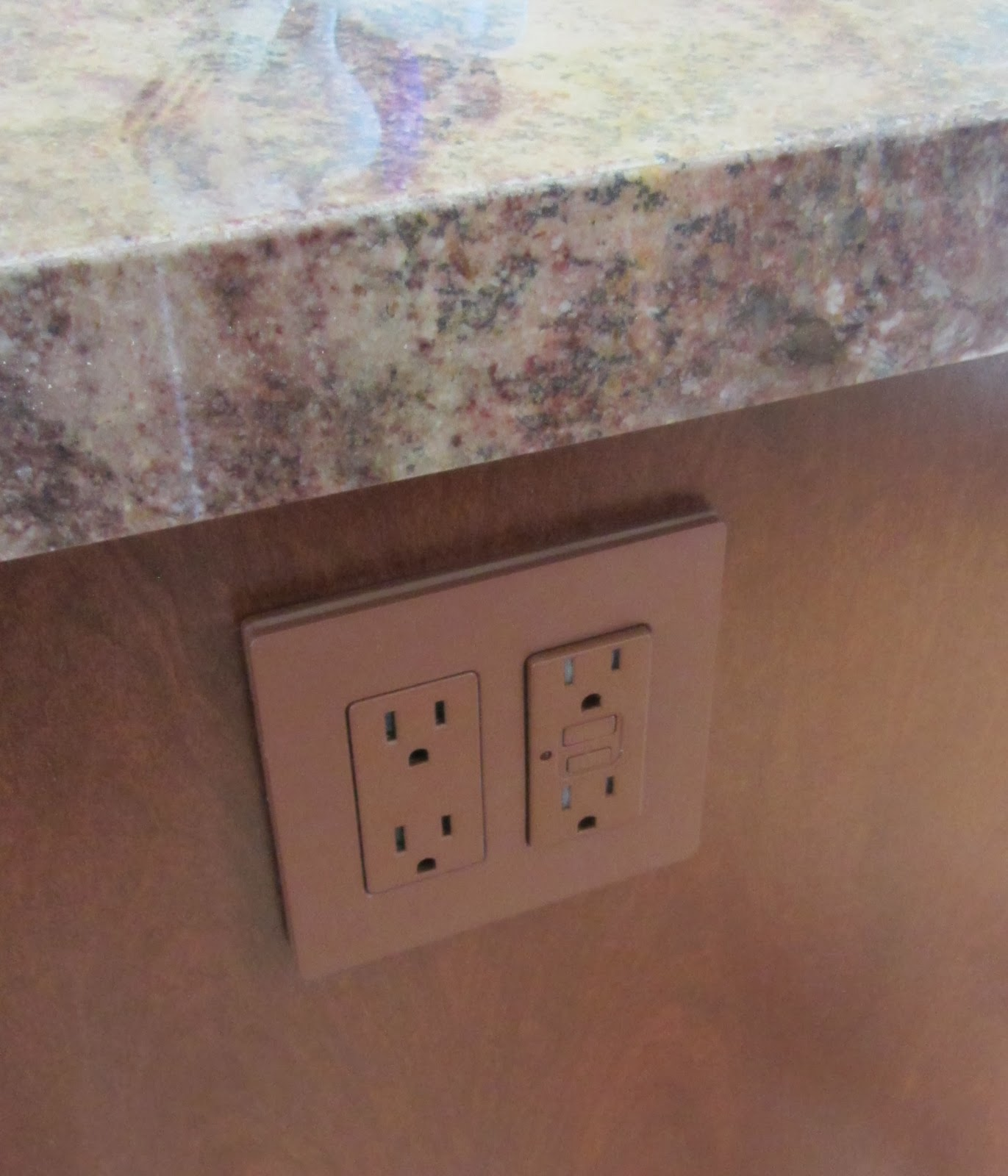 Kitchen Island Outlet Enzy Living Alternatives To Ugly Outlets In Kitchen Islands