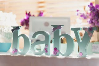 GOOD LOOKS - Buttons and Bows Baby Shower Decor