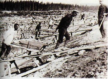 http://4.bp.blogspot.com/-ElpVg1AIczc/TydvRz89FnI/AAAAAAAAAp4/NKI_k_Px0vI/s400/soviet+gulag.jpg