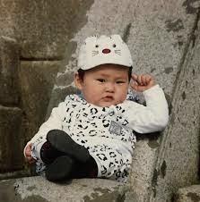 Gambar anak cute dan menggemaskan